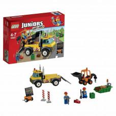Конструктор LEGO Juniors Грузовик для дорожных работ (10683)